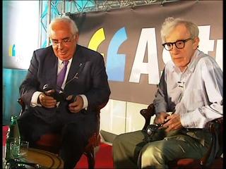 Woody Allen y Vicente Álvarez Areces en la presentación de la nueva campaña de promoción turística del Principado