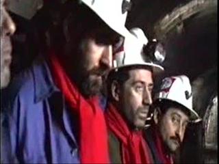 Mineros encerrados en el Pozo Barredo en 1991