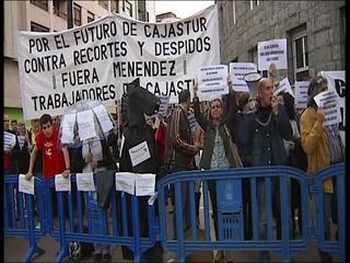 Protesta de los trabajadores de Cajastur en torno al Auditorio