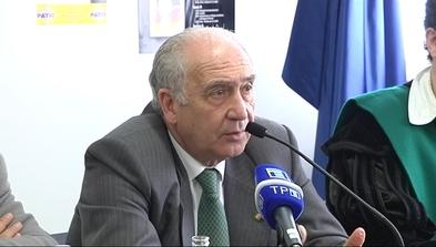 El rector de la Universidad de Oviedo, Vicente Gotor