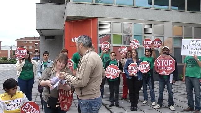 Protesta de La Plataforma de la Plataforma de Afectados por la Hipoteca y Desahucios de Asturias