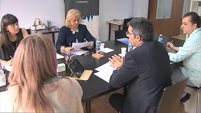 Mercedes Fernández con miembros del Plan de Impulso de las Tecnologías de la Información y la Comunicación (TIC) en Asturias