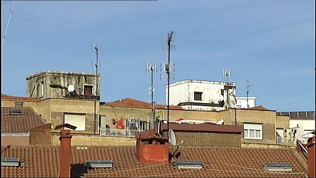 Las comunidades de vecinos tienen que empezar a adaptar sus antenas de televisión