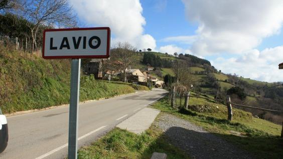Lavio, Salas