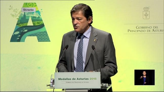 El presidente del Principado, Javier Fernández, en el acto de entrega de las Medallas de Asturias