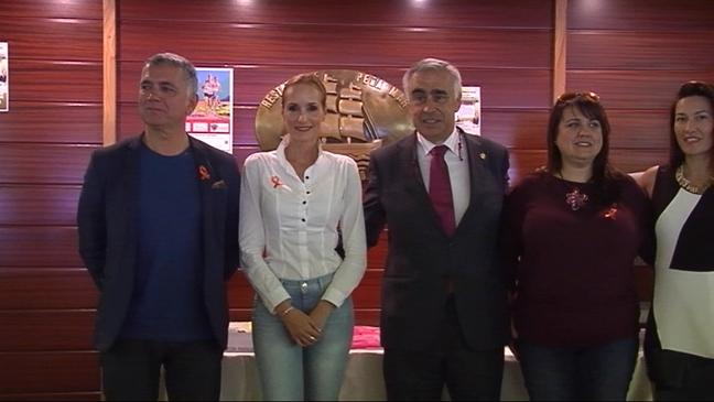 Sandra Ibarra en la quinta comida de solidaridad frente al cáncer de la Asociación 'Figueras Solidario'