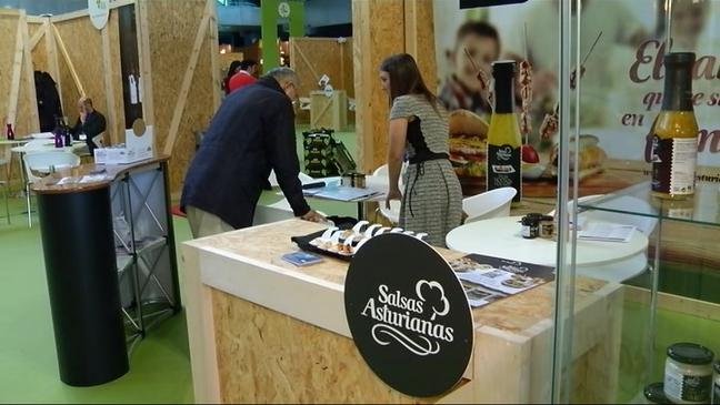 Expositor de Salsas Asturianas en el Foro Internacional Agroalimentario