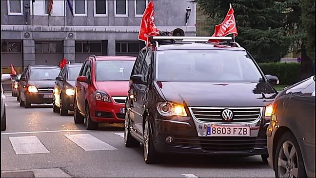 Caravana de profesores itinerantes en señal de protesta