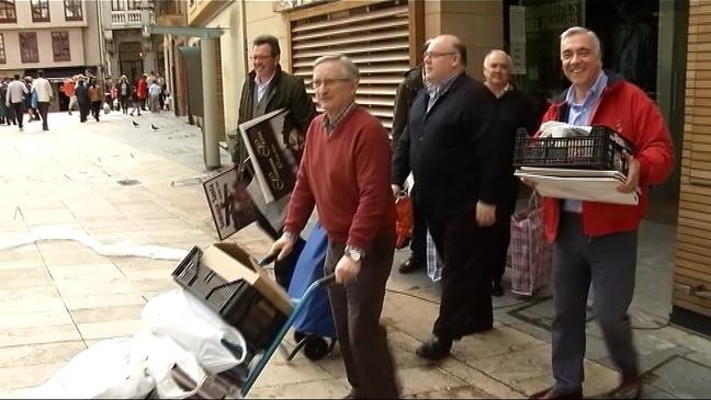 Los miembros de las seis cofradías de Oviedo dejan su actual sede