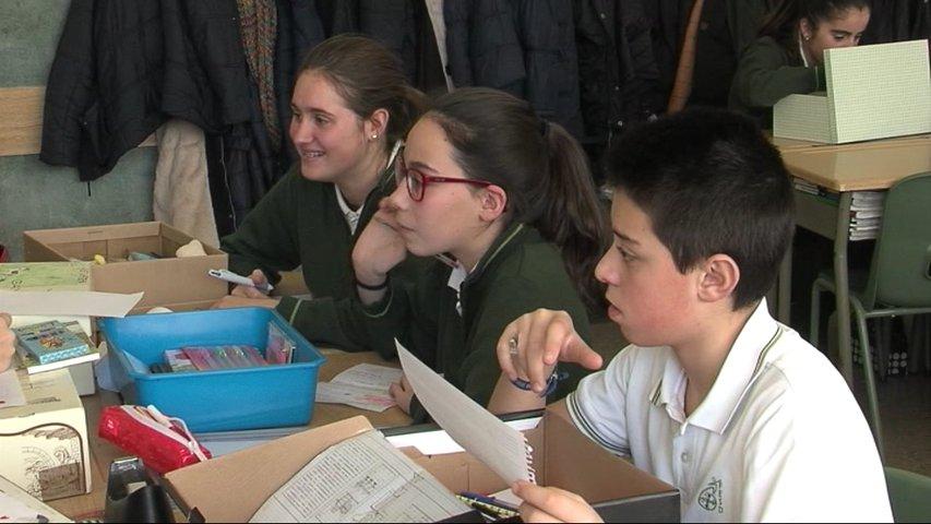 Los alumnos del colegio Santo Domingo de Oviedo buscan crear una red social astur-saharaui