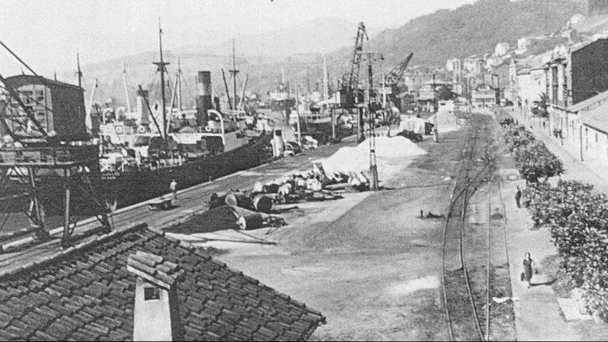 Las antiguas grúas del puerto de San Esteban de Pravia lucirán el aspecto de principios del siglo XX