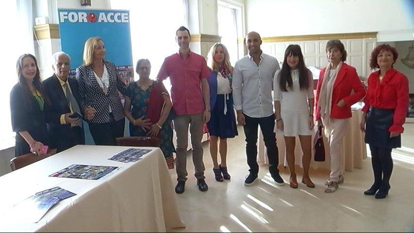 Participantes en el foro ACCE
