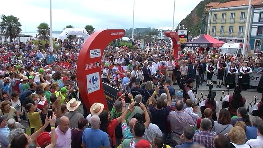 Salida de etapa de la Vuelta a España en Candás
