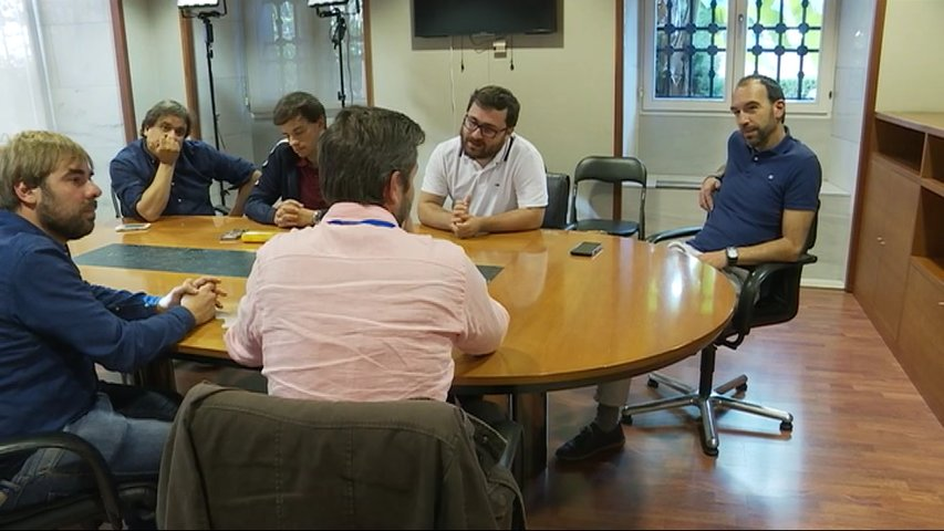 Podemos e IU promoverán una reforma estatutaria para la oficialidad del asturiano