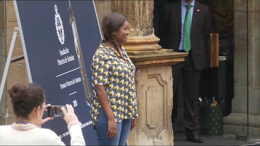 La embajadora de Amref Health Africa llega a Oviedo