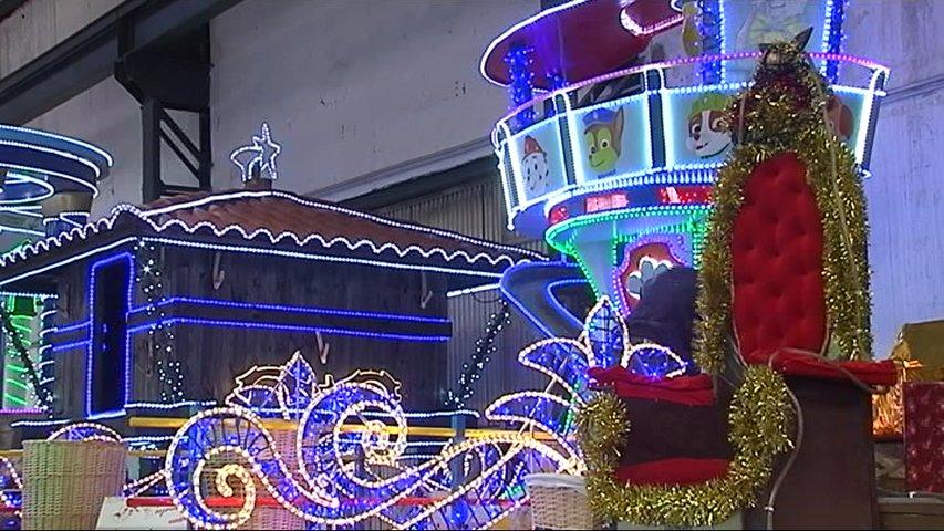 Carrozas De Reyes Magos Fotos.Los Artesanos De Aviles Ultiman Los Detalles De Las Carrozas