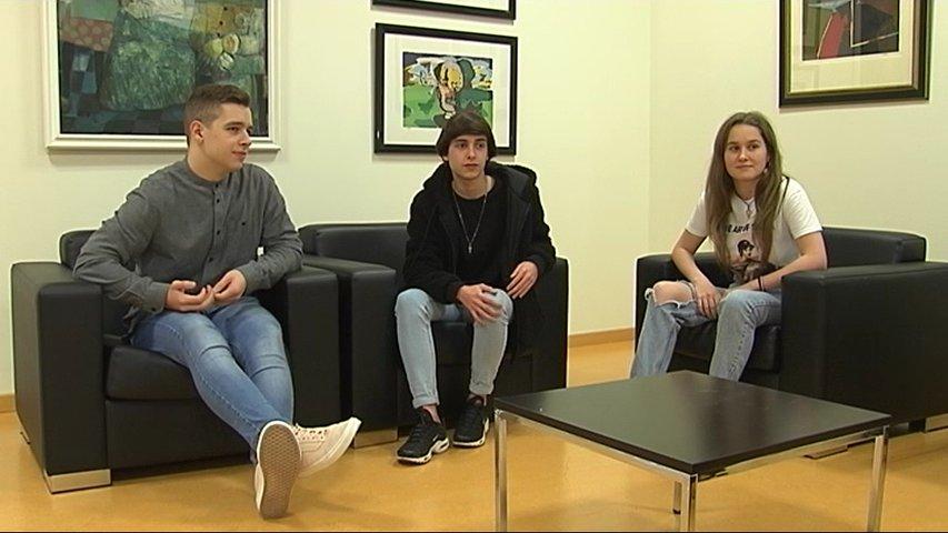Tres alumnos del IES Bernaldo Quirós de Mieres