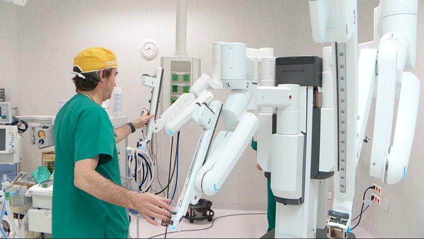 El Centro Médico utilizará el robot Da Vinci en intervenciones de urología y colon