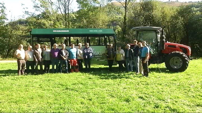 Un taxi-tren para llegar a la parte alta del Parque Natural de Redes