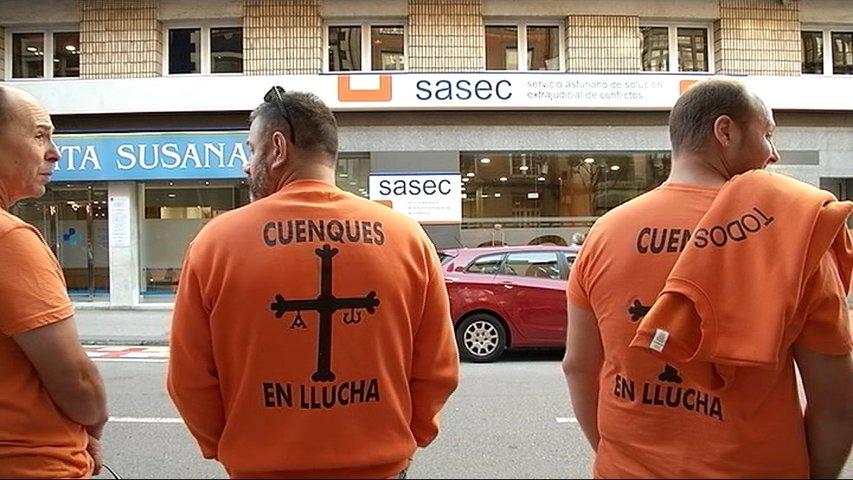 Trabajadores de Vesuvius frente al Sasec